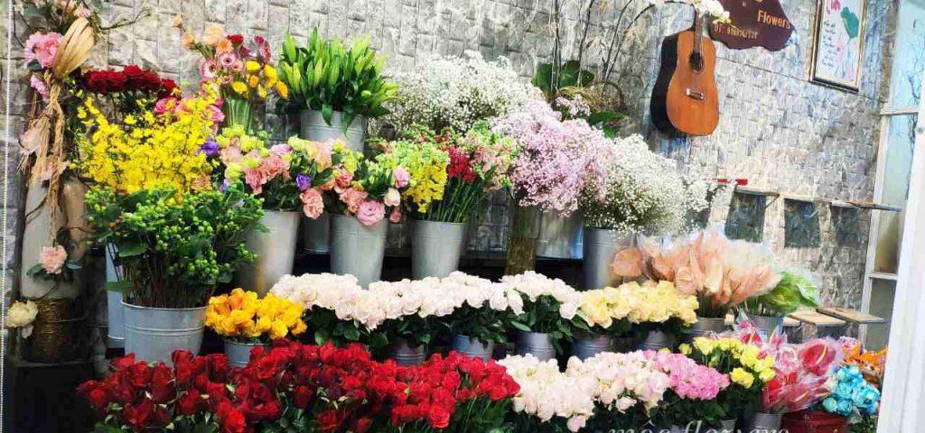 hoa được trưng bày tại shop hoa tươi quận 1 và được chăm sóc tỉ mỉ nhất